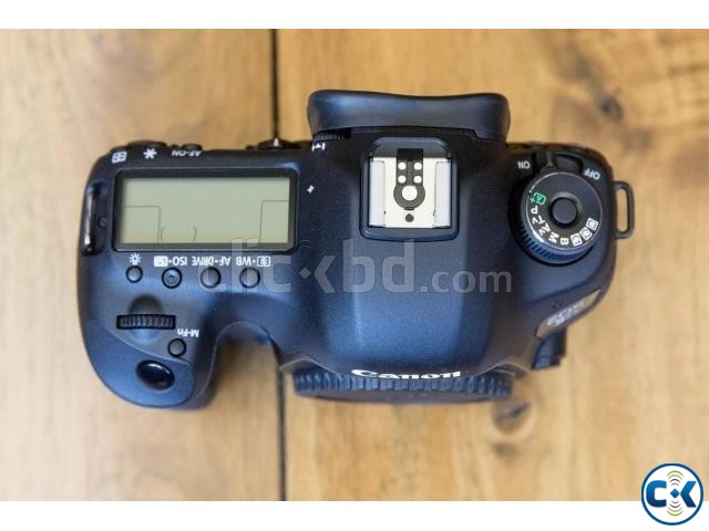 Canon EOS 5D Mark III 22.3 MP DSLR Camera 24-105mm f 4L IS | ClickBD large image 4