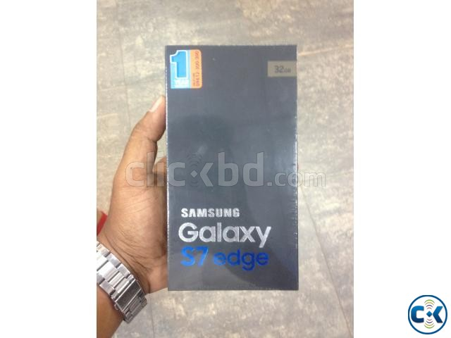 Samsung Galaxy S7 Edge with authorised replacement warranty