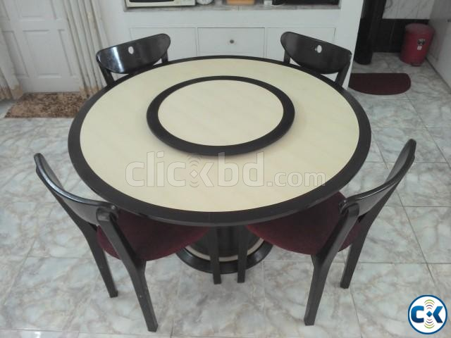 Superieur Revolving Dining Table With Chairs