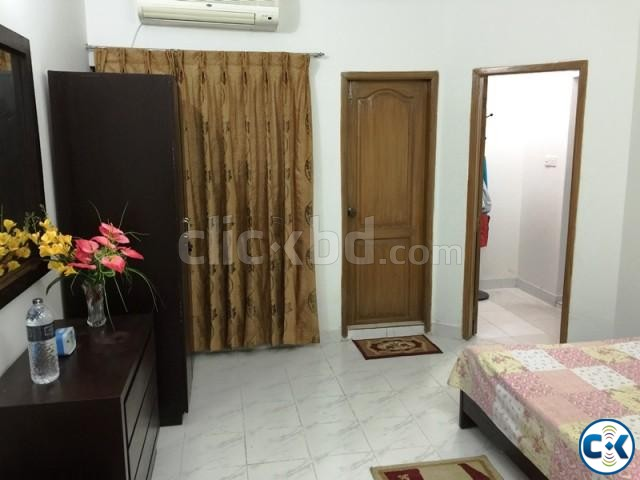 2200Sft. 3 Bed Room fully furnished flat for rent at Banani | ClickBD large image 1