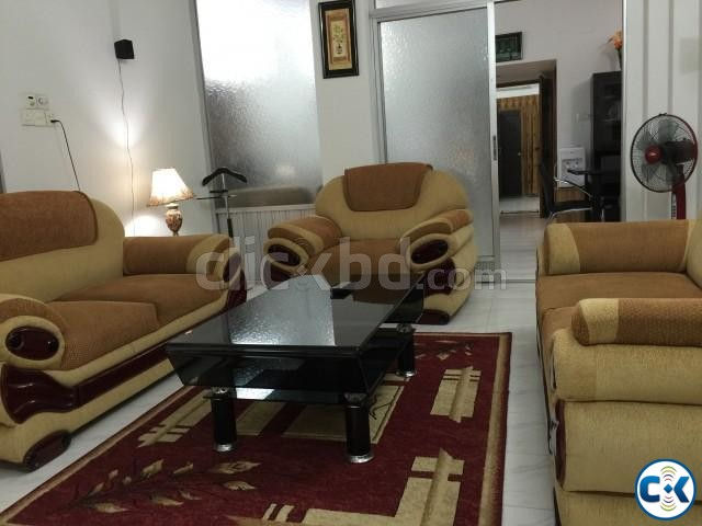 2200Sft. 3 Bed Room fully furnished flat for rent at Banani | ClickBD large image 4