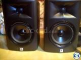 JBL LSR 305 studio monitor