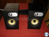 B W SPEAKER AND CAMBRIDGE AUDIO AMPLIFIER