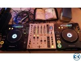 Pioneer CDJ 1000mk3 and Pioneer DJM 700