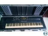 Roland XP-80 Workstation Music Keyboard