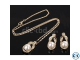 mitation Pearl Crystal Necklace