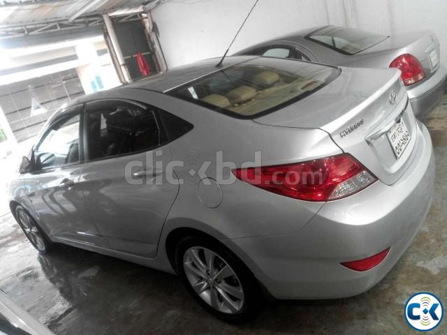 Hyundai Accent Blue | ClickBD large image 2