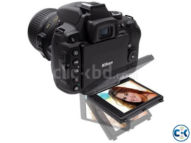 Nikon D5200 Vari-angle LCD DSLR with 18-55mm Lens | ClickBD large image 0
