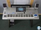 Yamaha Tyros 4 arranger Keyboard.