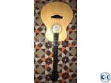 Giuliani 6 strings acoustic guitar new condition.