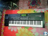 Roland Xp-60 with Hard case commercial tone