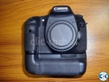 Canon EOS 7D DSLR Camera Body Only with Canon Battery Grip