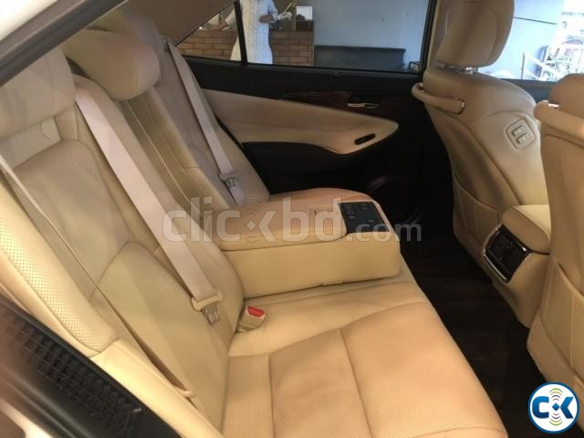 TOYOTA CROWN G HYBRID PEARL 2013 | ClickBD large image 3