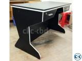 Smart Looking Computer Desk