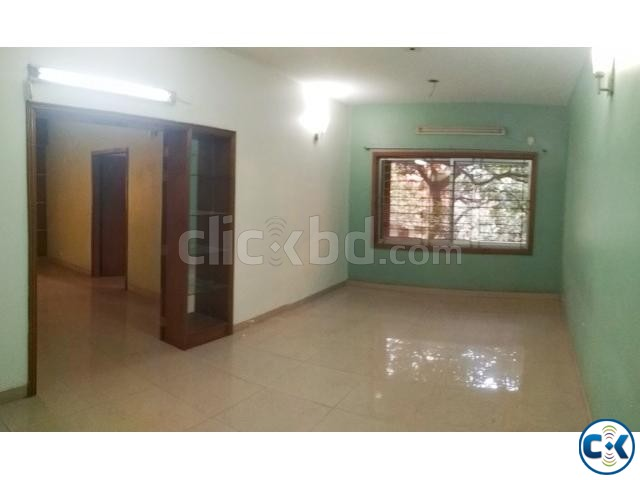 Large Appartment To-Let in Dhanmondi 8 A | ClickBD large image 2