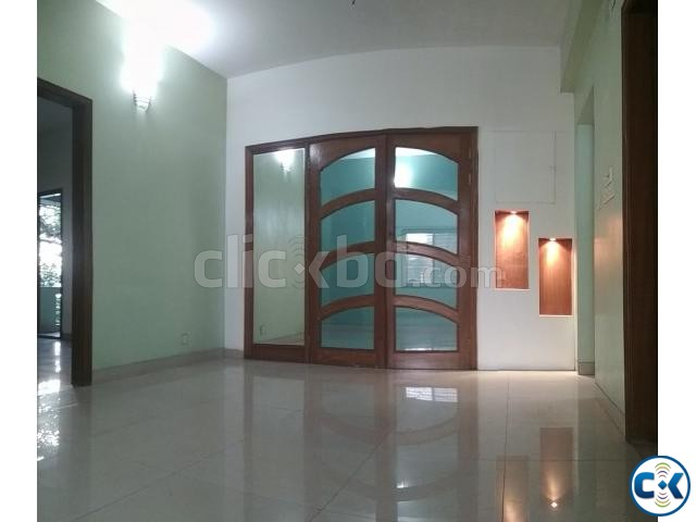 Large Appartment To-Let in Dhanmondi 8 A | ClickBD large image 3