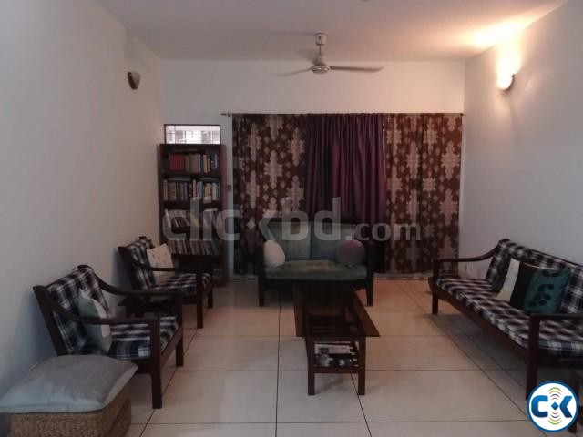 Exclusive Flat For Sale In Lalmatia | ClickBD large image 4
