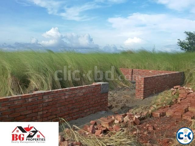 Best Location 3 katha plot at M block | ClickBD large image 0