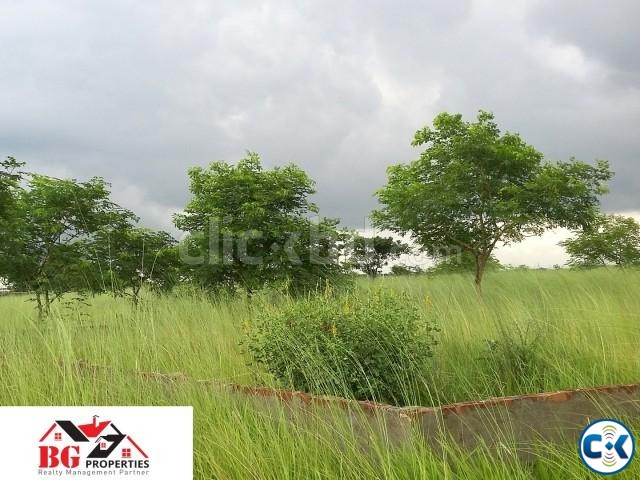 Best Location 3 katha plot at M block | ClickBD large image 1