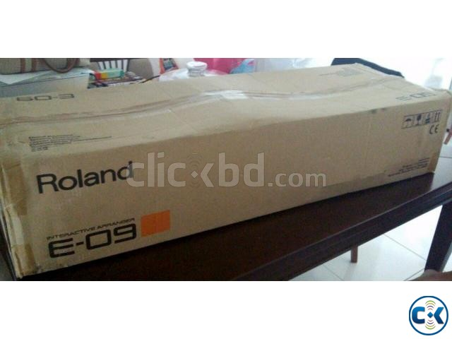 Brand New ROLAND E-09 Keyboard Intact Box  | ClickBD large image 3