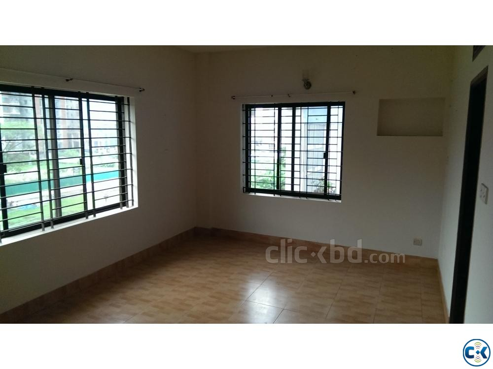 3 BED Flat for rent FAMILY STUDENT at BASHUNDHARA | ClickBD large image 2