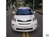 TOYOTA IST G PEARL WHITE 2010