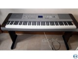 Yamaha DGX-640 88 Keys Hammer Action Piano