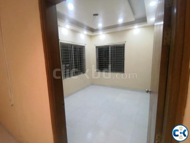 Luxurious Used Flat will be sold in Shyamoli with the cheape | ClickBD large image 2