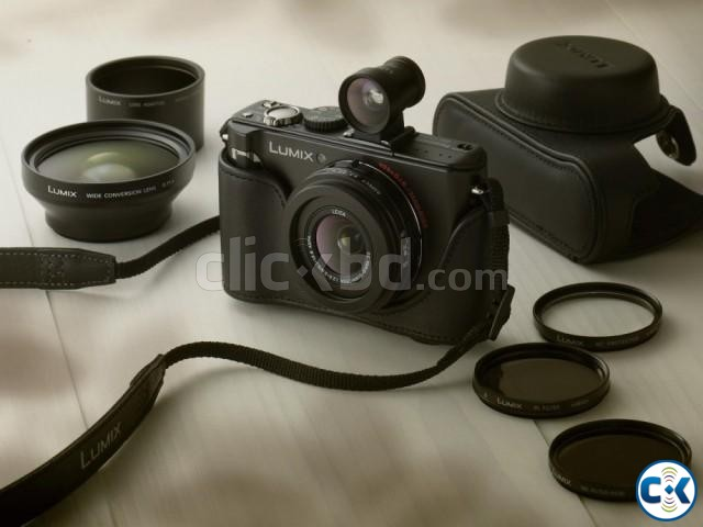 Leica Lens 24mm Wide w Panasonic LX3 10.1MP Camera | ClickBD large image 0