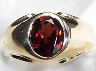 Garnet stone ring from Global Sky Shop