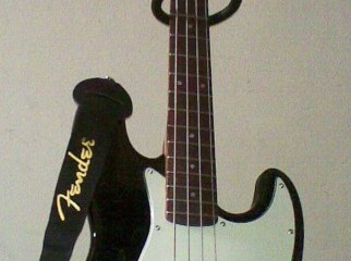 fender jazz bass by squier 4 string urgent sale