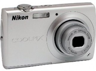 Nikon Coolpix S203 10MP Digital Camera