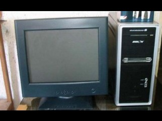 2.2 Dual Core Desktop With 15 Monitor Low Price
