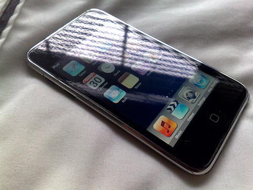 Apple I Phone 8g 3gs | ClickBD large image 1