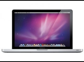 Apple MacBook Pro 17. Quad-Core i7 2.2GHz 4GB 750G