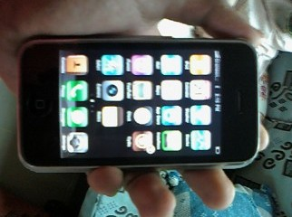 Iphone 3g 8gb for sale with charger and headphone