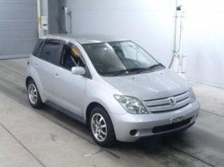 Toyota IST 2004