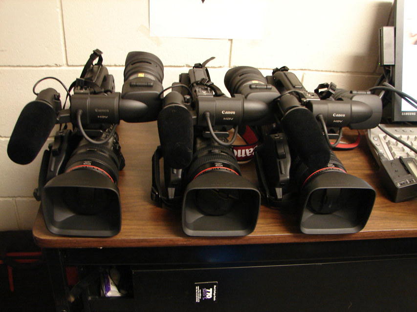 Canon Xl h1s 3ccd Camcorder 1600 USD | ClickBD large image 0