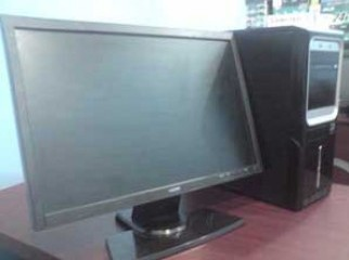 Intel PC With 19 LCD Monitor 320GB Hard Disk