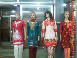 Cosmetics Dress jewel Almas type shop Kalyanpur