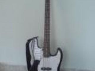 T G M Bass guiter 01675754447