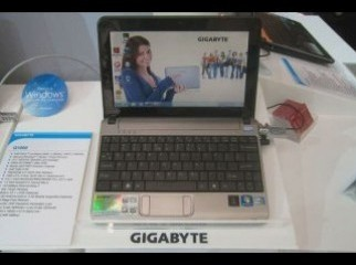 Gigabyte net-book Q1000c with new condition