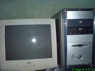 INte Pentium 4 Desktop PC With 15inc CRT Monitor
