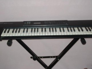 Roland xp10. synthesizer