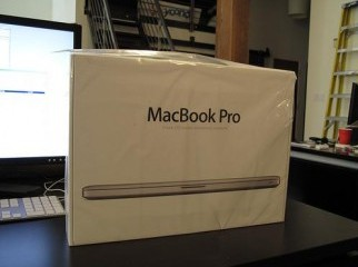 Apple MacBook Pro - Core i7 4 GB Ram 1 500 USD
