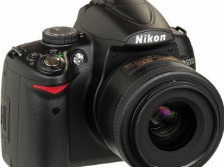 Nikon D5000 Digital SLR Camera with18-55 lens
