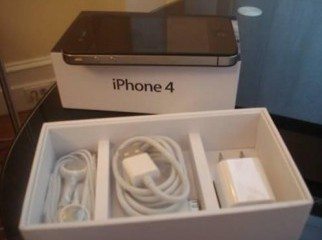 Apple iPhone 4G 32GB Black White Unlocked