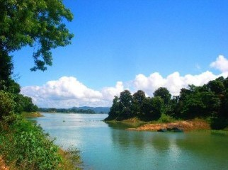 Tourist guide for Sylhet and Cox s Bazar