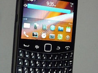 Black Berry Bold Touch 9900 Smart phone Unlocked