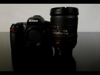 Nikon d90 Digital camera cost 500 Usd Canon EOS 5D Mark II